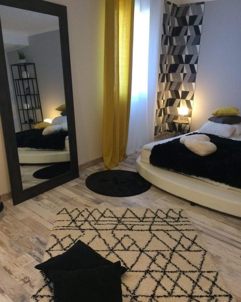 d coration d 39 une chambre d 39 h tes cabri res kty l d coratrice d 39 int rieur ufdi gard et vaucluse. Black Bedroom Furniture Sets. Home Design Ideas