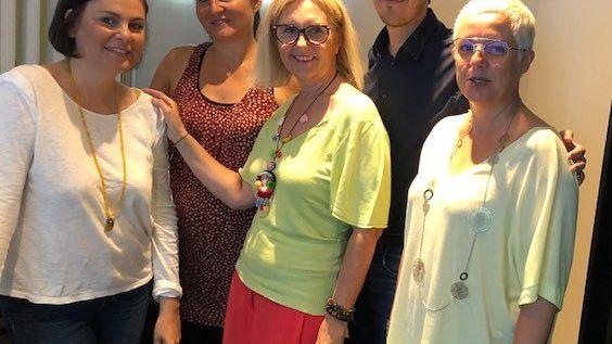 Kty.L Décoratrice d'intérieur UFDI Gard dans la Bande à Servane sur France Bleu Gard-Lozère : décorer son hébergement d'accueil