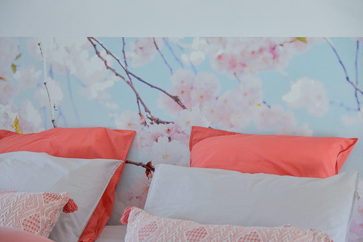 des gîtes dans un mas sur Saze, par Kty.L, décoratrice UFDI à saze (30) : papier peint panoramique en tête de lit