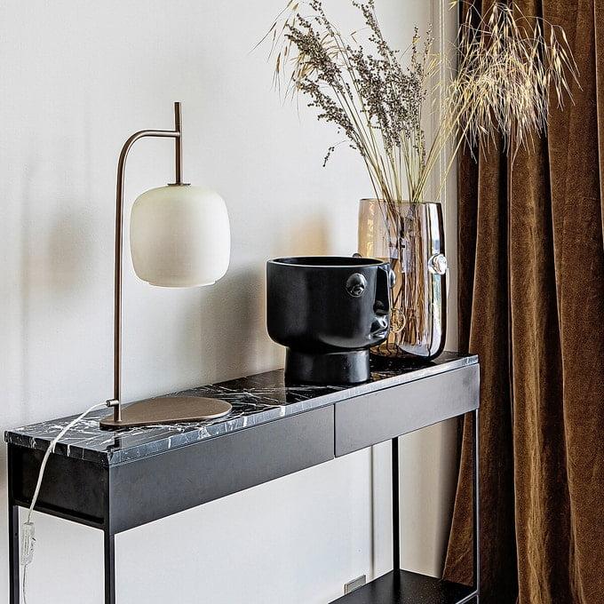 Tendances déco 2020/2021 - Kty.L, décoratrice UFDI à Rochefort-du-Gard,30, présente une sélection marbre, verre coloré et fleurs séchées de chez AM PM