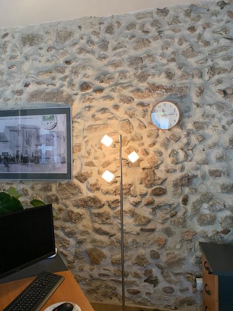 Décoration d'une agence immobiilière à Rochefort-du-Gard, par Kty.L Décoratrice, UFDI, Gard et Vaucluse : bureau avant réalisation